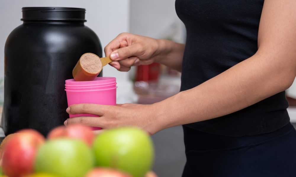 Can You Have Whey Protein When Pregnant: The Advantages and Risks